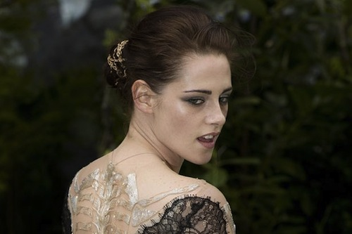 Actress+Kristen+Stewart+attends+the+World+Premiere+of+Snow+White+And+The+Huntsman+at+The+Empire+and+Odeon+Leicester+Square