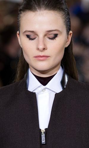 aquascutum-aw12-beauty-catwalk-eyeliner1